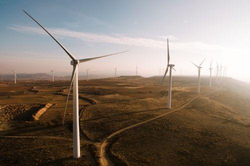 ¿Puede haber transición energética sin grandes instalaciones renovables?