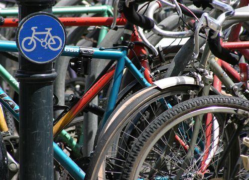 Ciclismo urbano, contaminación del aire y salud.