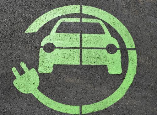 ¿Es el coche eléctrico la solución para reducir emisiones?